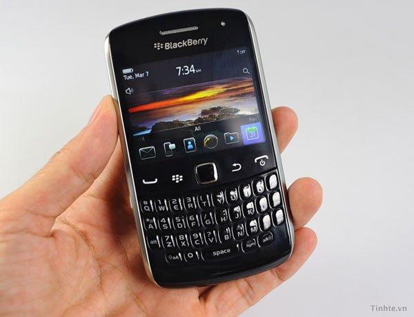 blackberry-curve-apollo-1.jpg
