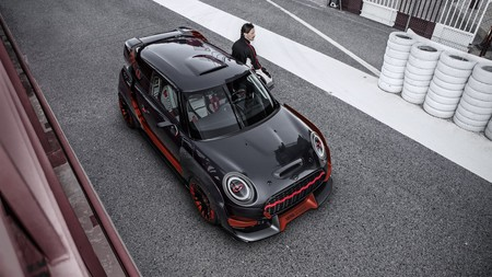 P90275445 Highres Mini John Cooper Wor