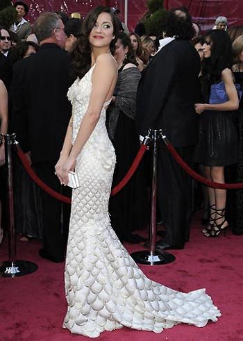 Oscars 2008: Marion Cotillard, una sirena en la alfombra roja