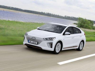 El Hyundai IONIQ ya tiene precio en Reino Unido: 23.500 euros (al cambio) para la versión híbrida