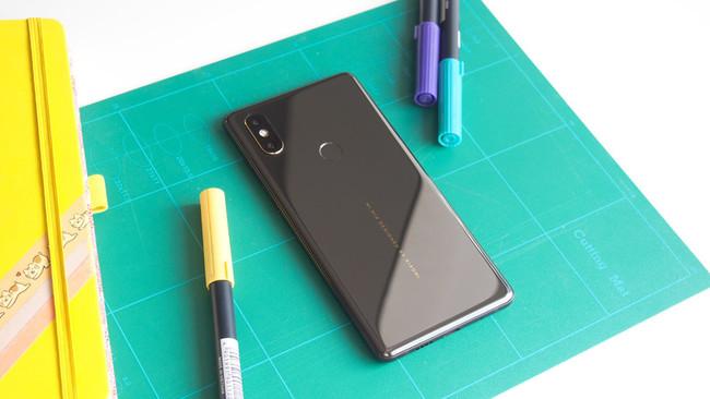 El Xiaomi Mi Mix 3 tendría un botón físico para el asistente Xiao AI, al estilo de Bixby