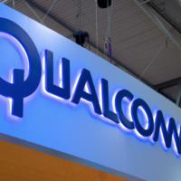 Qualcomm sube la apuesta y exige prohibir la importación de algunos iPhone y iPad a EEUU en su disputa con Apple