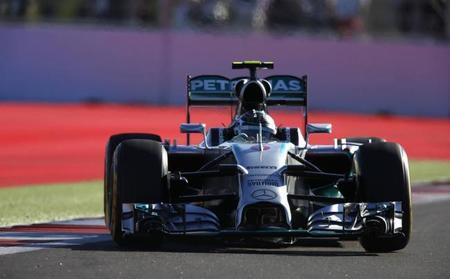 Nico Rosberg, el cuidador de neumáticos, salva el día con un segundo puesto