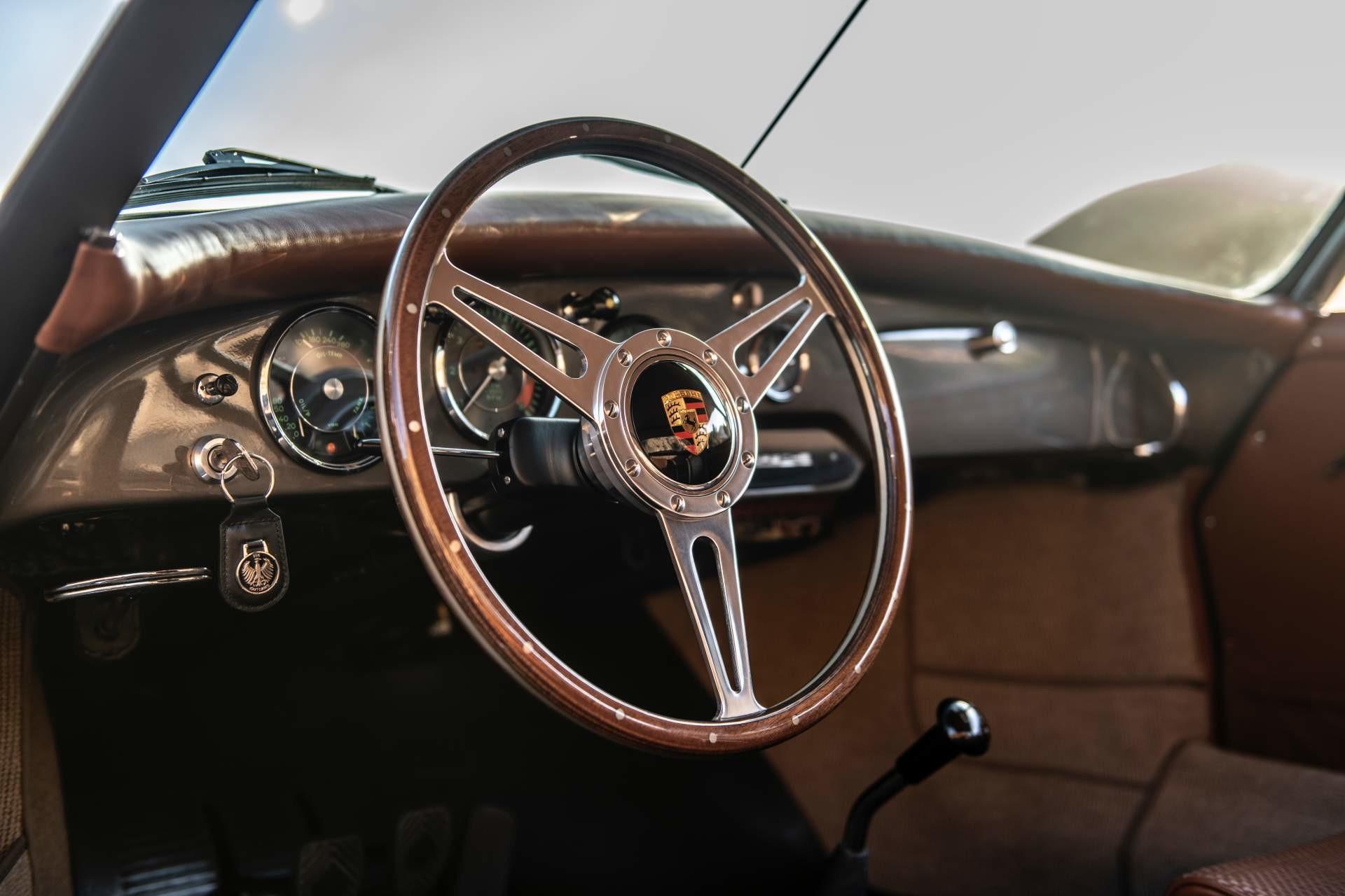 Foto de Emory Motorsports Porsche 356 restomod (31/46)