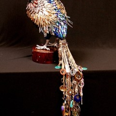 Foto 6 de 9 de la galería peacocks-de-laurel-roth en Trendencias