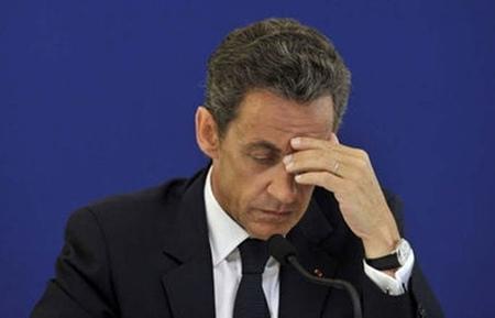 Nicolas-Sarkozy-preocupado