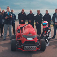 Video: Honda Mean Mower, una podadora capaz de ir a 241 km/h, obtiene un récord Guinness