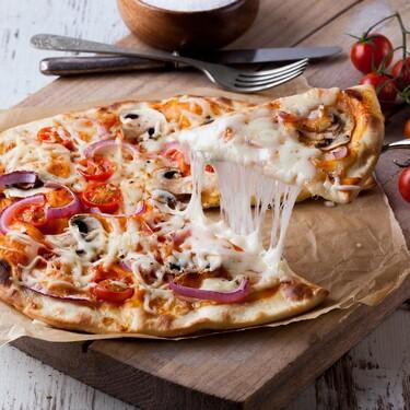 Cómo poner una mesa perfecta a la italiana (pizza casera incluida)