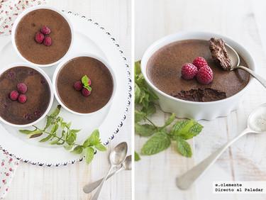 Crema de chocolate al horno con frambuesas. Receta