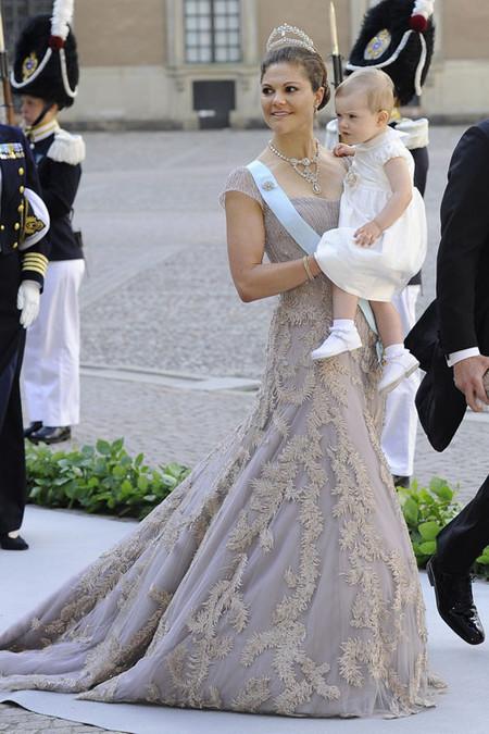 El look de Victoria de Suecia el día de la boda de su hermana Magdalena