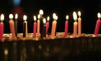 Si eres famoso, morirás después de tu cumpleaños: retrasar la muerte para participar en eventos sociales