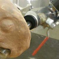 Esta máquina de vómitos nos enseña mejor cómo se propagan los virus estomacales