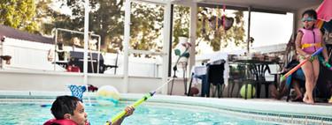 ¿Cómo disfrutar de la piscina con los niños y sin riesgos?