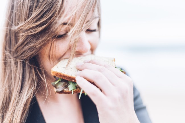 La ansiedad repercute en tu dieta: los mejores consejos para controlarla