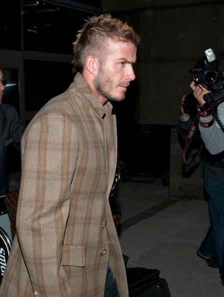 Foto de David Beckham con el nuevo tupé: trucos para ocultar las entradas y la caída del pelo (14/19)