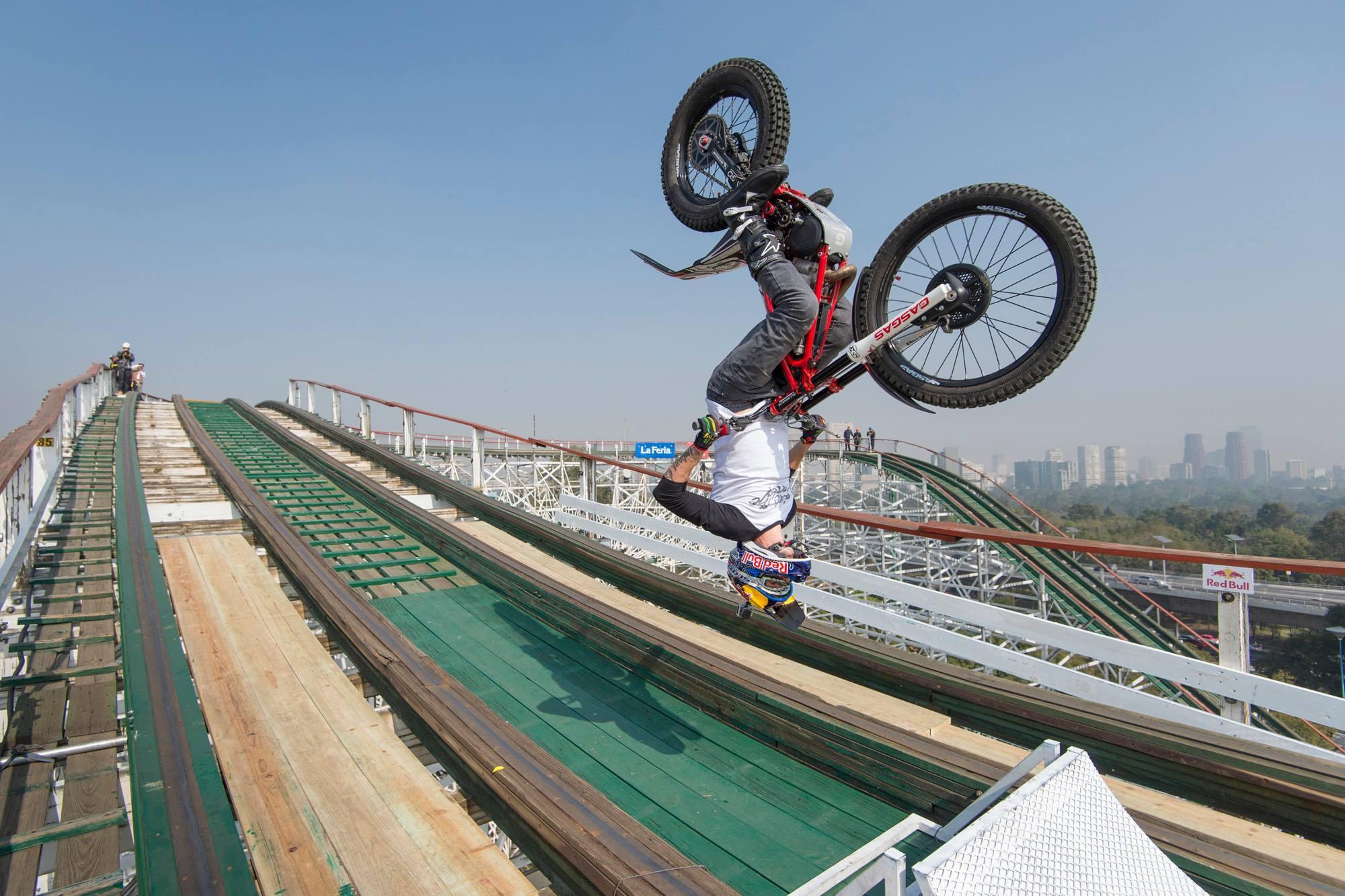 Foto de Red Bull Roller Coaster (3/4)