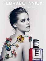 Mira cómo luce cacho Kristen Stewart para Balenciaga