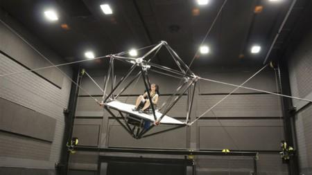 Con este asombroso simulador no sólo querrás ver la realidad virtual, sino también sentirla