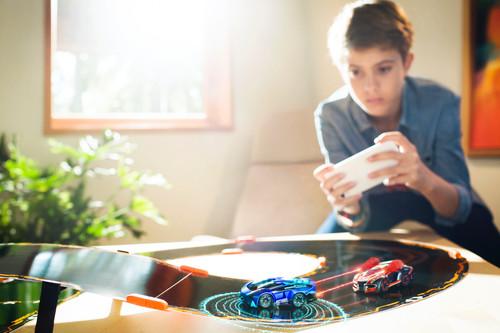 Hot Wheels AI vs Anki Overdrive: la guerra por ganar el Scalextric del siglo XXI