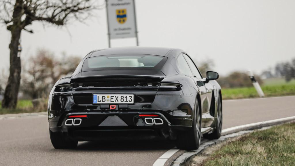 El Porsche Taycan, primer coche eléctrico de la marca, tendrá una red de supercargadores en Japón