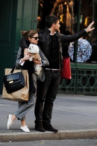 Olivia Palermo y el look 10 para ir de compras, fular