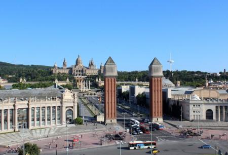 Cataluña gravará los vehículos que emitan más CO₂, mientras Barcelona estudia 'eliminar' los coches viejos