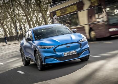 El Mustang Mach-E se queda 7% abajo en la autonomía prometida a la EPA, pero Ford espera arreglarlo al llegar a producción