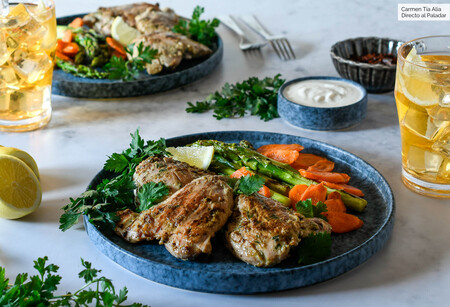 Contramuslos marinados en yogur, ajo y hierbas: la mejor receta de pollo a la barbacoa