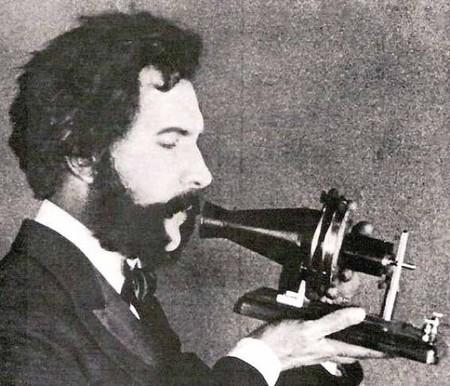 Inventor del teléfono por sólo 2 horas de ventaja