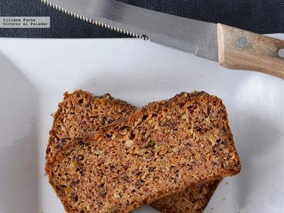 Bizcocho sin azúcar de zanahoria, avellana y almendra. Receta fitness saludable