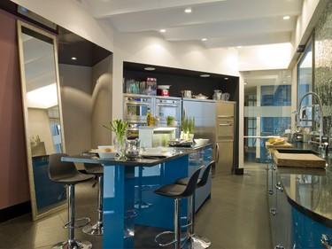 ¿Te atreves con una cocina azul?