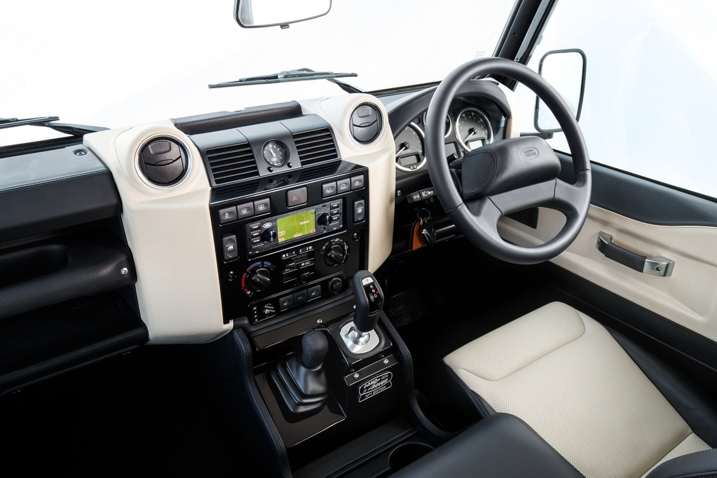 Foto de Land Rover Defender Works V8 (5/8)