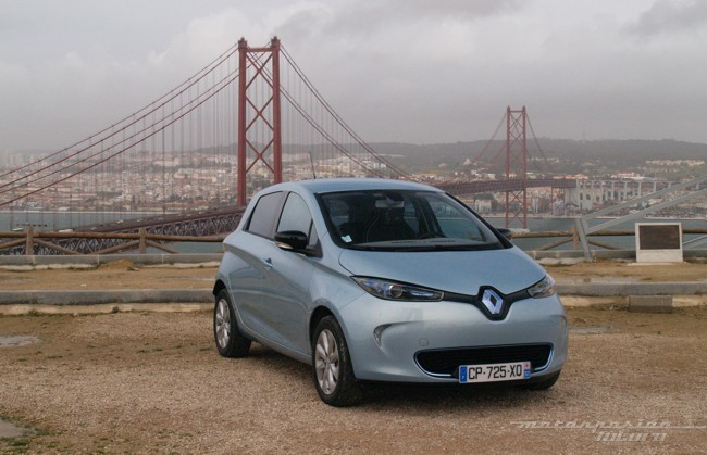 Renault ZOE presentación en Lisboa exterior puente colgante 01