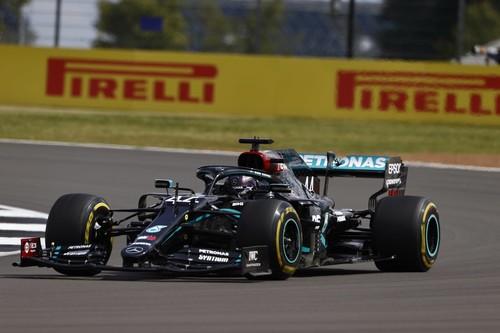 ¡Épico! Lewis Hamilton gana con una rueda pinchada ante una pifia histórica de Red Bull con Max Verstappen