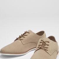 Zapato con perforación, de Pull&Bear