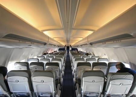 ¿Qué lleva el botiquín de un avión?