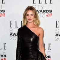 ¡Y seguimos con más fiestas! Es el turno de las invitadas a los Elle Style Awards 2016