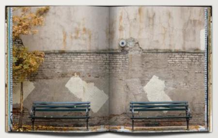 Cuaderno con imágenes de muros