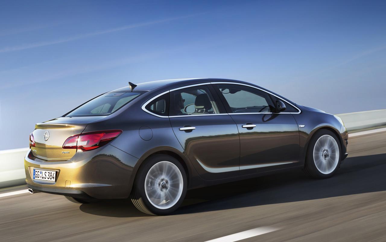 Foto de Opel Astra 2012 (25/28)