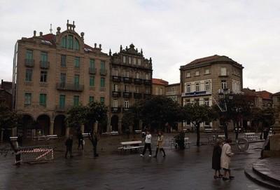 A este paso se volverá imposible aparcar gratis en Pontevedra