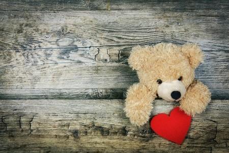 Cómo enseñarle a tu hijo qué es el amor del bueno, el que le hará feliz