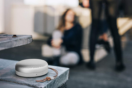 Bang Olufsen Beoplay A1 Altavoz Bluetooth Portatil Con Microfono