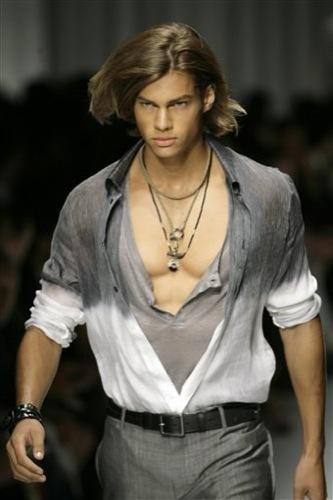 Versace, Primavera-Verano 2010 en la Semana de la Moda de Milán III
