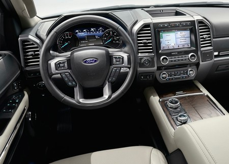 Ford Expedition 2018 3