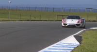 ¡Mira, mira! Es el Porsche 918 Spyder Weissach rodando a ritmo de récord en Phillip Island