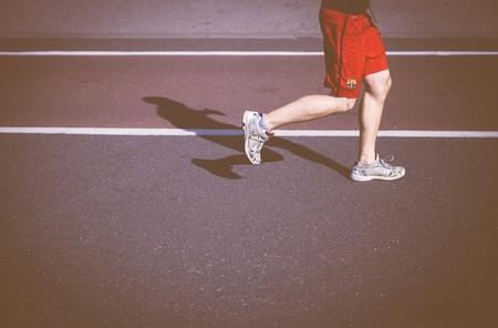 Pies planos en los corredores: cómo afecta esto a tu forma de correr y cómo puedes solucionarlo