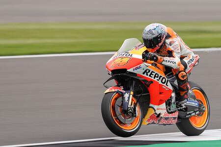 ¡Increíble! Pol Espargaró se rebela en Silvestone logrando su primera pole position con Honda