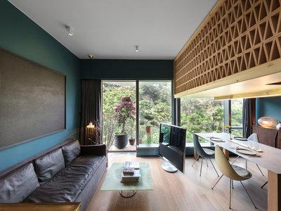 Esta mini casa en un árbol es una pequeña joya de diseño y funcionalidad