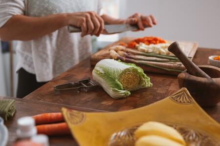 Así es como preparar tu comida en casa te ayuda a bajar tu porcentaje de grasa