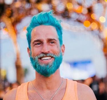 Merman, la tendencia de teñirse la barba de azul que arrasa en Instagram
